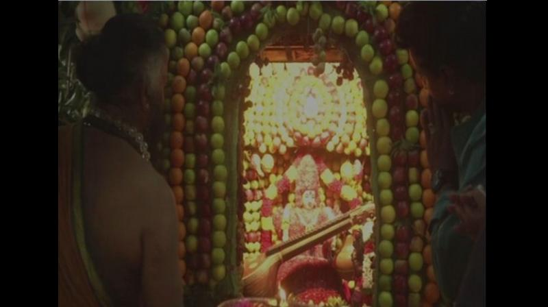 More than 28 varieties of fruits were seen gracing the walls of the temple and adorning the idols. Garlands and offerings made of fruits were extended by the devotees queued up at the Mahali Amman Temple during the pooja. (Photo: ANI)