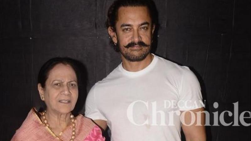 Aamir Khan often visits mom Zeenat's home in the night; Note why