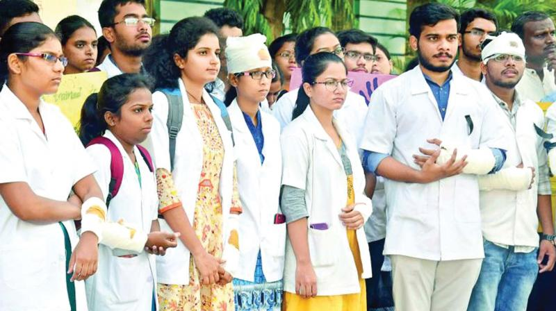 Doctors from all over wore bandages and protested in front of government hospitals in solidarity with the striking doctors in Kolkata.