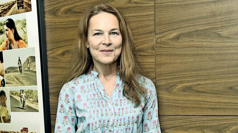 Dora Elek, director