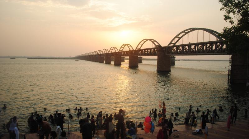 Water level in Godavari is rising at 0.3 metres a day