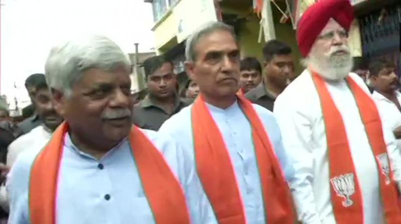 West Bengal: A three-member BJP delegation, including SS Ahluwalia, Satya Pal Singh and VD Ram, reach Bhatpara in North 24 Parganas district over clashes between the BJP and TMC in the state. (Photo: ANI | Twitter)