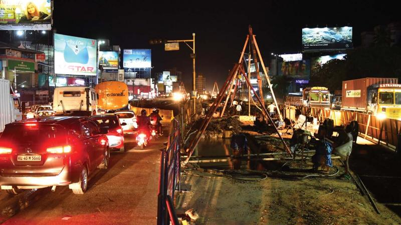 Vyttila flyover work in progress on Friday evening. (Photo: DC)