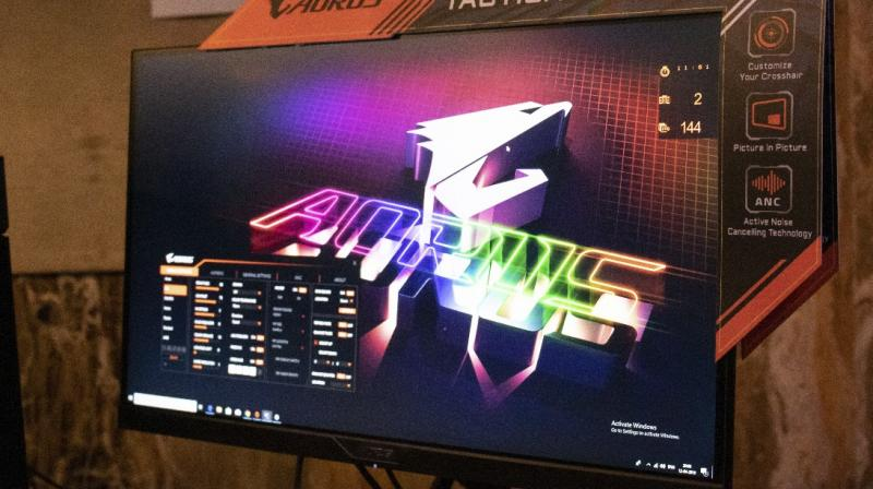 The AORUS AD27QD is the world's first tactical monitor.