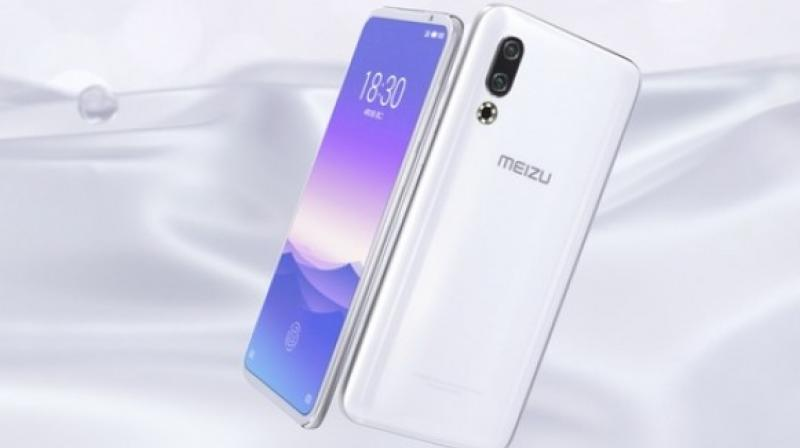 The Meizu 16s comes with a Snapdragon 855 SoC and paired with either 6GB or 8GB of DDR4X RAM and the onboard storage featured here is 128GB or 256GB.