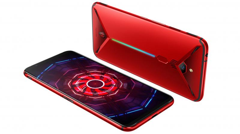 Nubia Red Magic 3 packs a 6.65-inch AMOLED screen, double super linear speaker, and 8K video recording support.