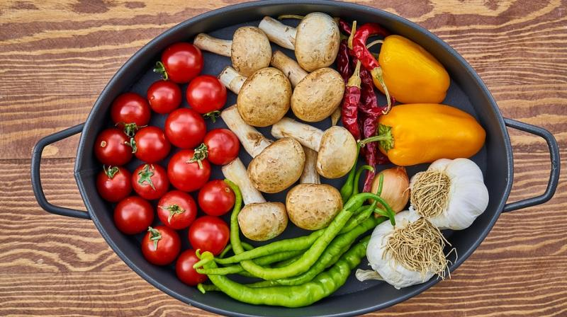 The benefits of vegetarian diets are much greater for men than women. (Photo: Representational/Pixabay)