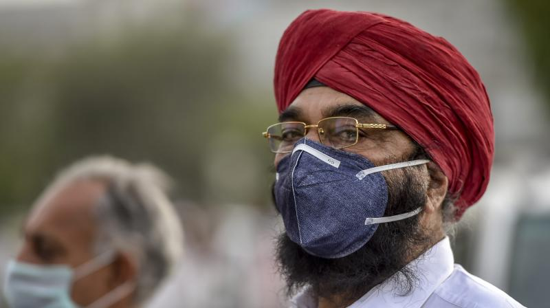 India Delhi residents choke as dust blankets capital
