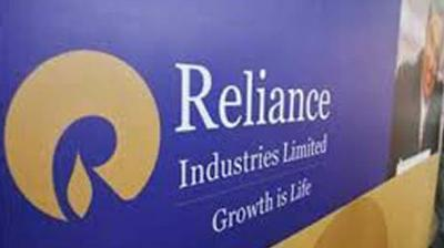 RIL's market valuation zoomed Rs 16,671.95 crore to Rs 9,23,613.71 crore.