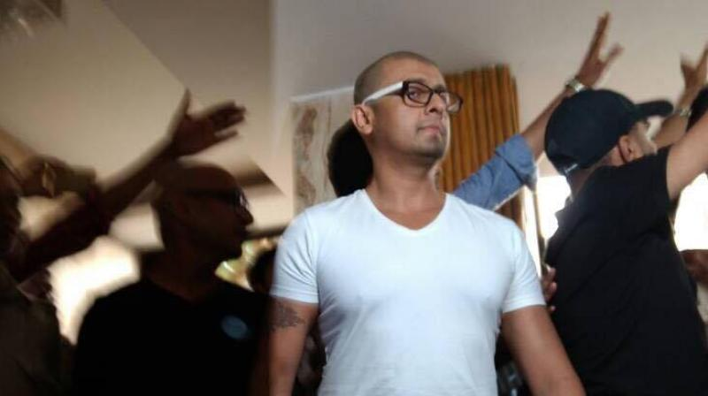Sonu Nigam stood by his words and went bald.