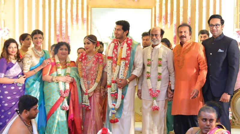 Saundarya with parents and husband