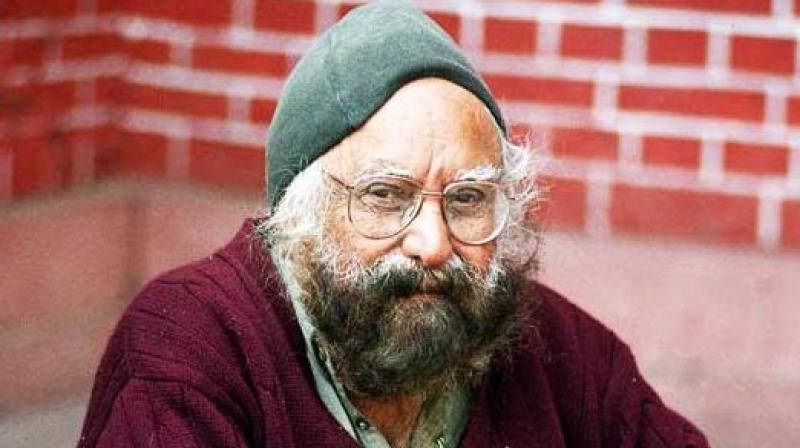 The officer directed a book vendor to stop selling renowned writer Khushwant Singh's novel 'Women, Sex, Love and Lust', saying that such 'obscene' literature may spoil the future generation. (Photo: File)