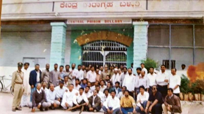 A picture of Dharwad HC bench agitators who were released after being lodged in Ballari jail in 2000.