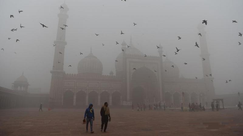 The Central Pollution Control Board (CPCB) identified four reasons for the sudden onset of pollution - temperature, wind speed, relative humidity and atmospheric boundary layer. (Photo: AFP)
