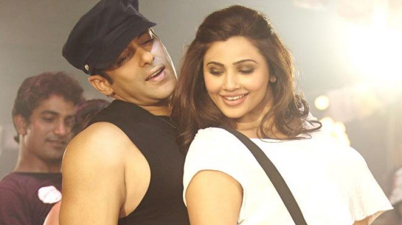 Salman Khan and Daisy Shah in 'Jai Ho.'