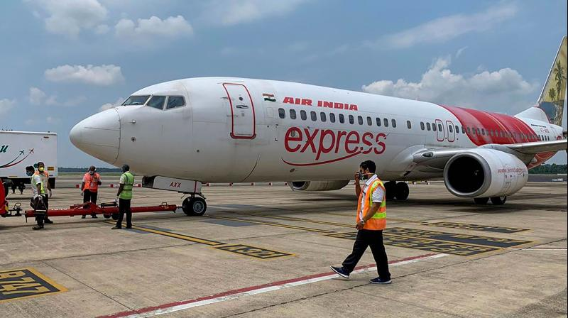 पांच शिशुओं सहित यात्रियों के लिए शारजाह जाने के लिए एक और उड़ान की व्यवस्था की गई थी। (फोटोः पीटीआई/फाइल)