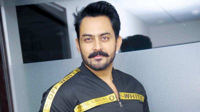 Jayram Karthik.