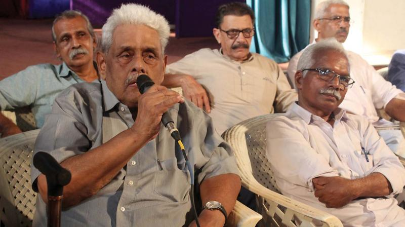 Prof. M.G.S. Narayanan speaks at democratic convention in Kozhikode on Thursday. (venugopal)