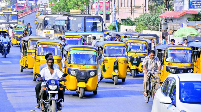 Autorickshaws and other private vehicles snatch the revenue of APSRTC by plying  on the roads of Guntur city. (Photo: DC)
