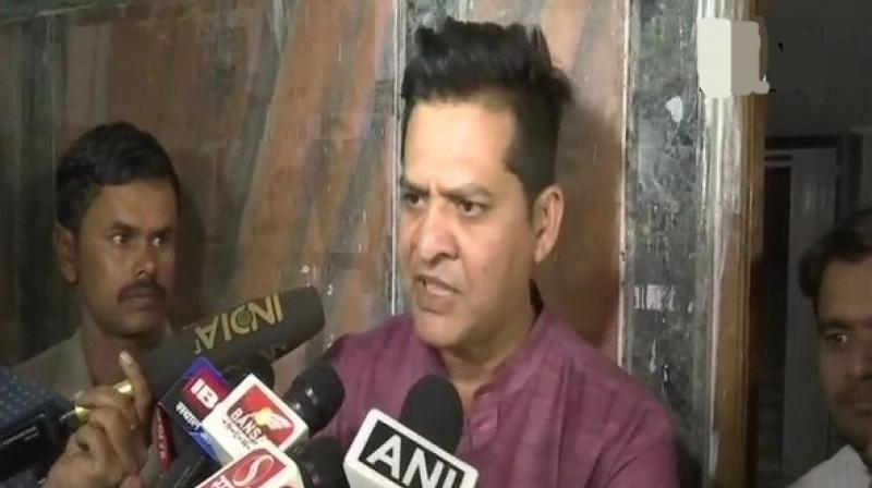 Vyapam whistleblower Dr Anand Rai said, 'I have not been given a ticket to fight elections even though Rahul Gandhi had assured me of it'. (Photo: Twitter | ANI)