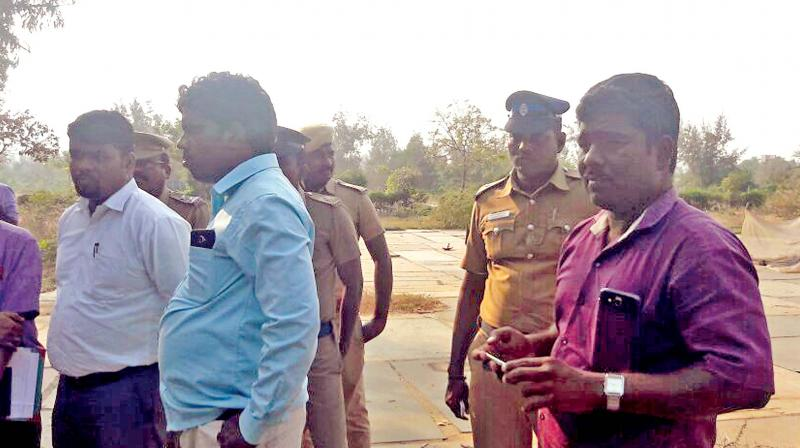 Team of officials who conducted the rescue of bonded labourers from the village near Muttukadu. (Photo: DC)