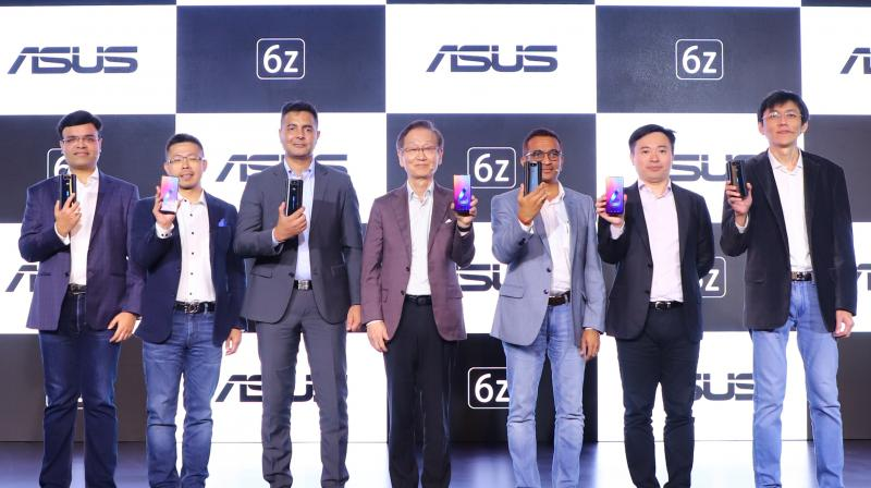ASUS 6z will be available in three variants namely 6GB / 64GB for ₹31,999/-; 6GB / 128GB for ₹34,999/-, and the 8GB / 256GB for ₹39,999/- from June 26, 2019 on Flipkart.