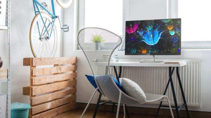 The narrow-border Full HD displays with Ultra-Wide Color technology delivers true-to-life visuals and immersive viewing angles for heightened convenience and enjoyment, whether at home or at work.