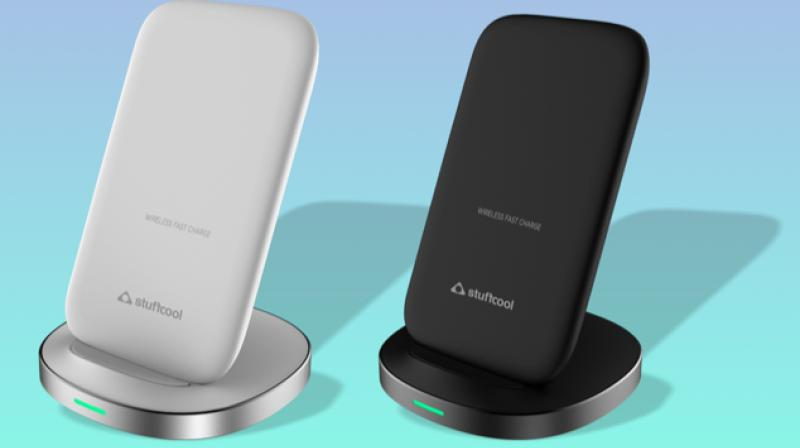 The wireless charger delivers an output of up to 7.5W for models such as the iPhone Xs, Xs Max, XR, X, 8, 8+ while users can leverage up to 10W charging support for the Samsung Galaxy S9, Galaxy Note 9, and other models.