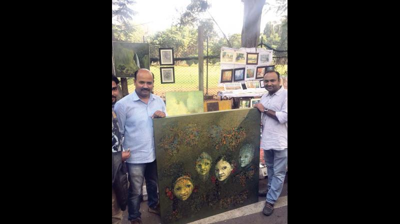 Artistes display their work