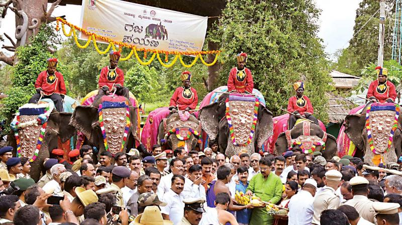 Dasara elephants being received at Veeranahosalli at Nagarahole on Thursday. (KPN)