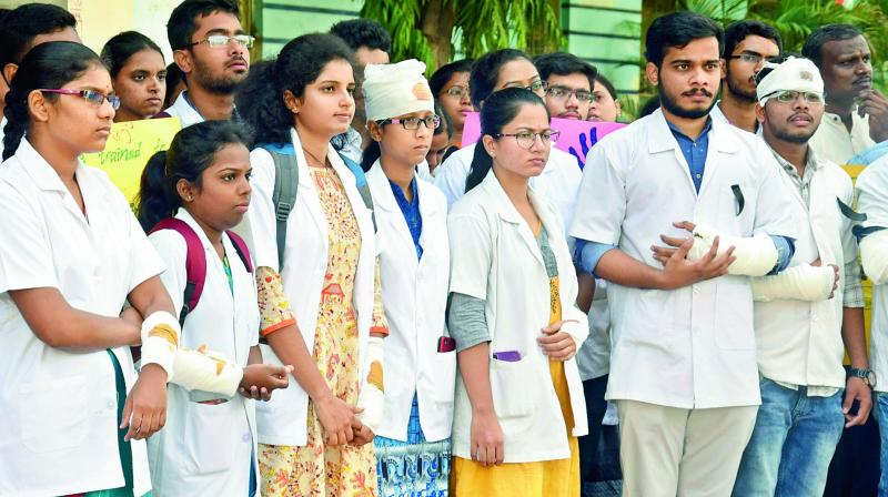 Protests were held at the directorate of medical health department and Osmania University against the government for increasing the retirement age of government professors and doctors. (DECCAN CHRONICLE)