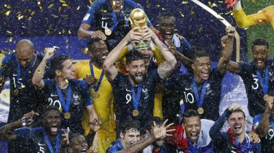 France clinched their second World Cup title after they beat a gritty Croatian side 4-2 in the final. The Les Blues ended a 20-year wait as Didier Deschamps' men brought the trophy back home. (Photo: AP)