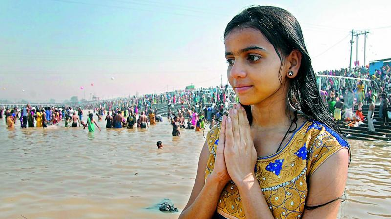 Shraadh, also known as Pitru Paksha, is a fortnight period dedicated to the ancestors who have departed from this world. It is a period wherein Hindus intend to get connected to the departed souls of the family through some rituals prescribed in the scriptures. (Photo: DC)
