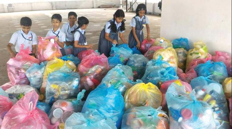 Volunteers including research fellows at School of Environmental Sciences (SES)  and students of SD College, Alappuzha took part in the drive. (Photo: DC)