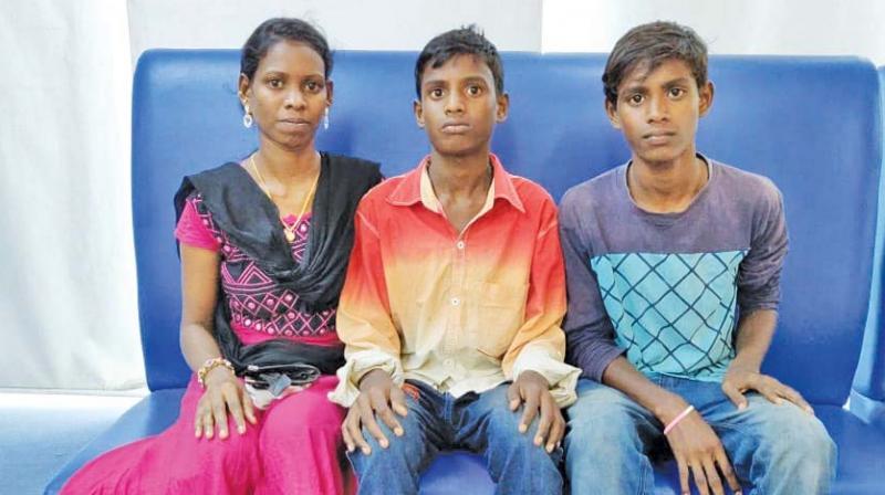 Shakunthala with her children Sanjay and Ravishankar. (Photo: DC)