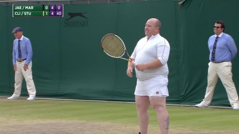 Wimbledon 2017 male fan enters court on invitation wears white clijsters went over to the sideline and grabbed a white skirt for the man to put stopboris Gallery