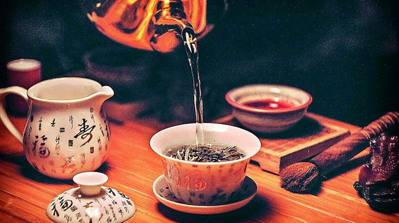 Chef Piyush Jain of  Decode Social Dining in the Capital shares his tea infused recipes and their numerous benefits with us.