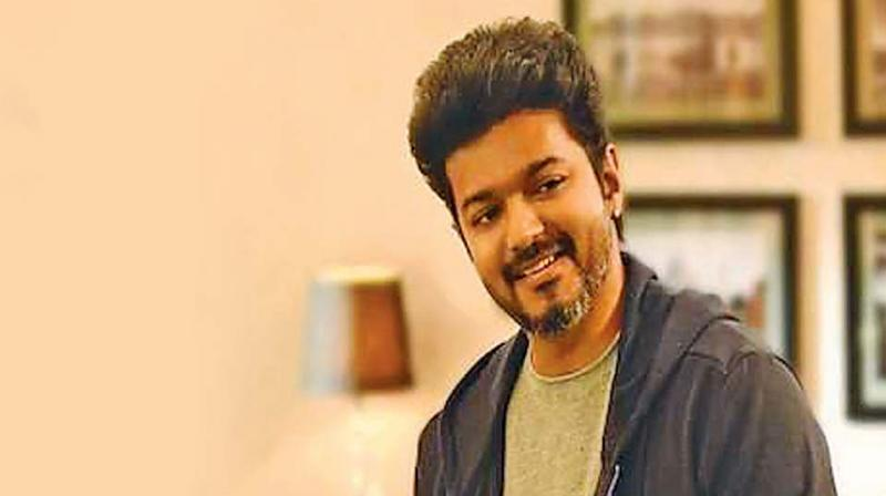 Sarkar brings all these elements back once again, but due to discrepancies in character traits and lack of realistic motivation, we do not feel the force of the central plot where Vijay plays the hero of the common man.