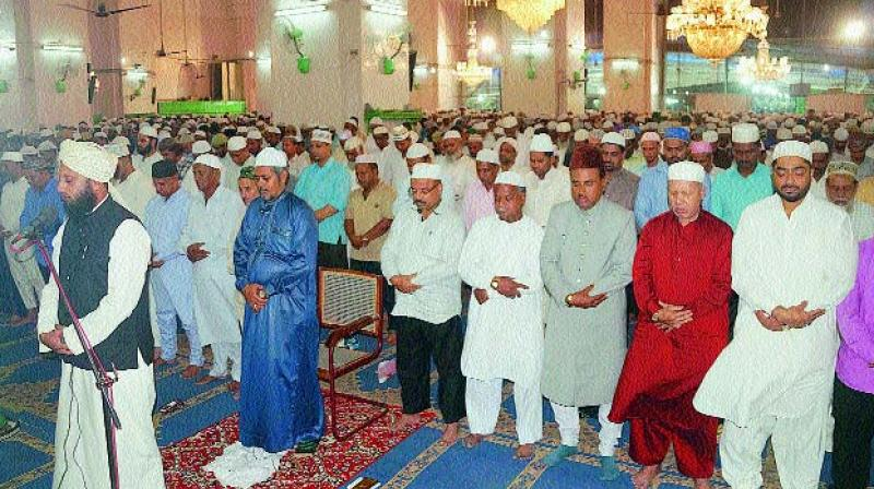 The devout offer Namaz-e-Taraveeh, the additional night prayers on Wednesday at the historic Macca Masjid after the Ruiyat-e-Hilal Committee declared that the moon was sighted heralding the beginning of the month of Ramzan.