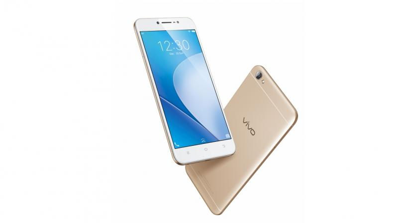 The Y66 comes with a 2.5D curved glass, metallic radiance back cover and unibody design.