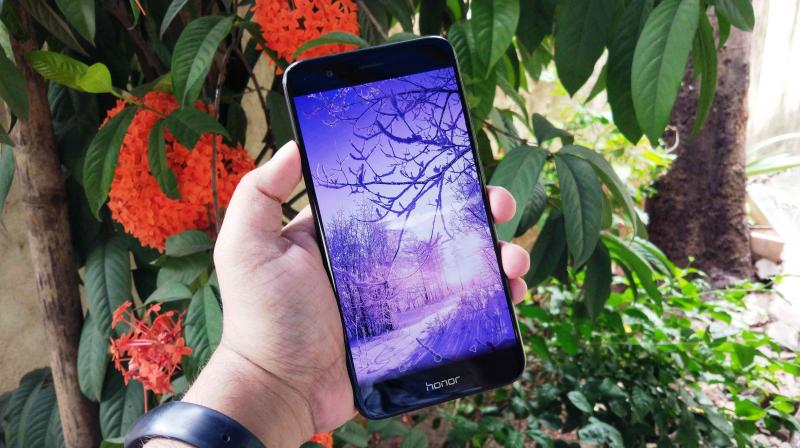 When large manufacturers give their time, efforts and attention on a product, a brilliant smartphone comes out, which is exactly what the Honor 8 Pro is.