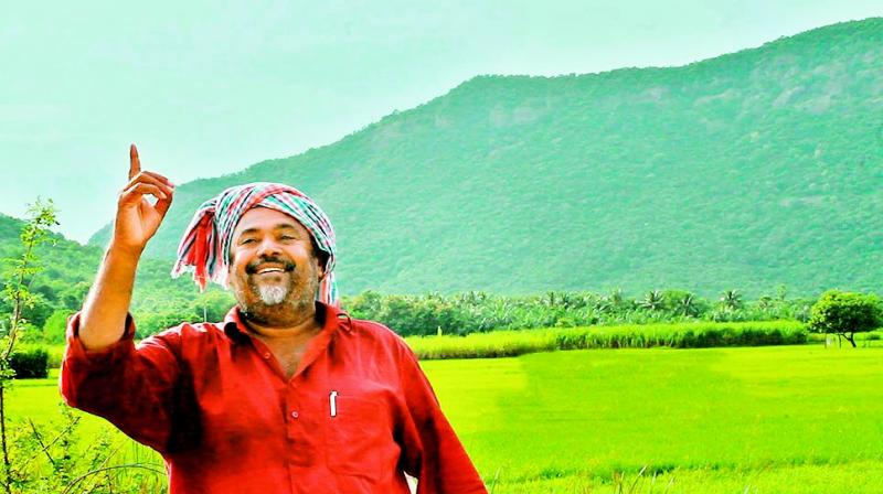 The movie touches upon farmer suicides, demonetisation, and businessmen's ability to evade the repayment of loans.