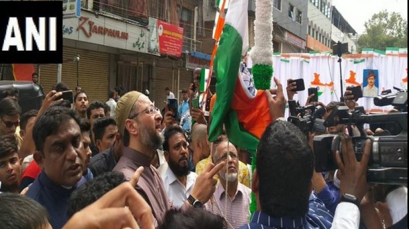 AIMIM Chief Asaduddin Owaisi unfurls tricolour in Hyderabad
