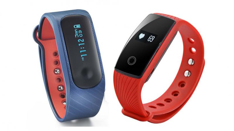 Both, Fastrack Reflex and Zeb-Fit 500 are compatible with iOS and Android.