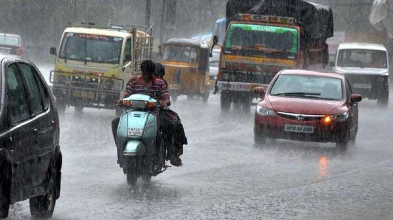 Hyderabad: Thunderstorm brings rains