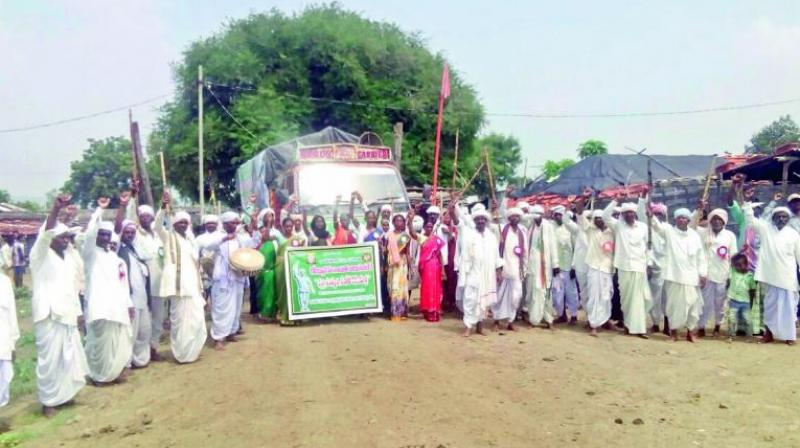 Adivasi elders take out yatra in Jainoor mandal in Kumarambheem Asifabad district. (Photo: DC)