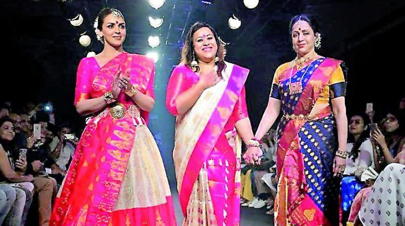 Esha Deol and mother Hema Malini  walk the ramp for designer Sanjukta Dutta at LFW'18
