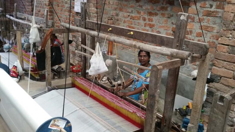 Due to the low daily wage of Rs 250, labourers are not ready to work in weaving industry.