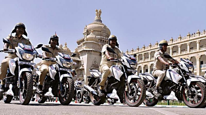 911 two-wheelers were given away to policemen for better patrolling, at Vidhana Soudha on Wednesday 	– Samuel R.