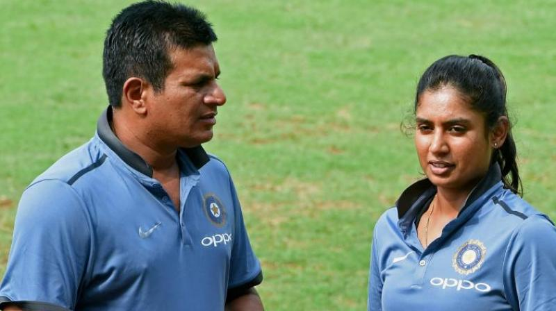 Indian women's coach steps down